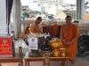 Príručný sklad svätenej vody, Wat Traimit, Bangkok