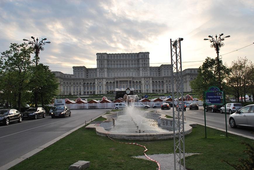 Bulevardul Urinii a Parlamentný palác, Bukurešť