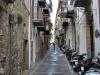 Ulička v Cefalù, Sicília