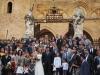 Svadobná fotka pred katedrálou v Cefalù, Sicília