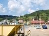 Čiernohronská železnica, dedina pri trati