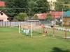 Čiernohronská železnica, na futbalovej bráne v Dobroči sa suší bielizeň