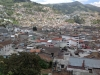 Predmestie Quita na svahoch sopky Pichincha, Ekvádor