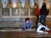 Jerusalem, Via Dolorosa, Kostol božieho hrobu, modlenie pri božom hrobe