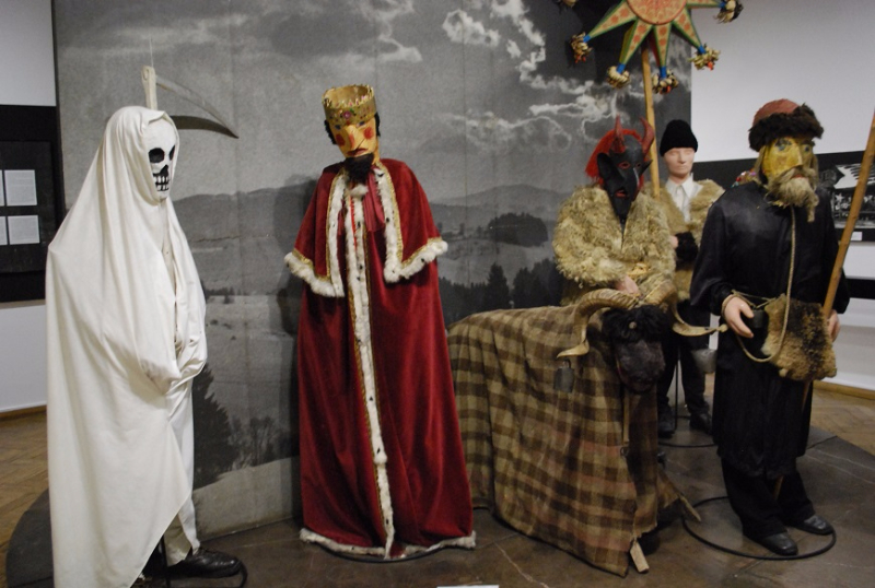Fašiangové kostýmy, Muzeum etnograficzne, Krakov