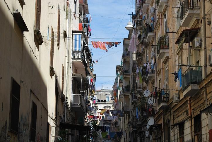 Typická neapolská ulica