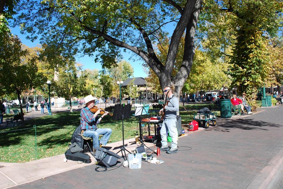 Muzikanti na La Plaza, Santa Fe, Nové Mexiko