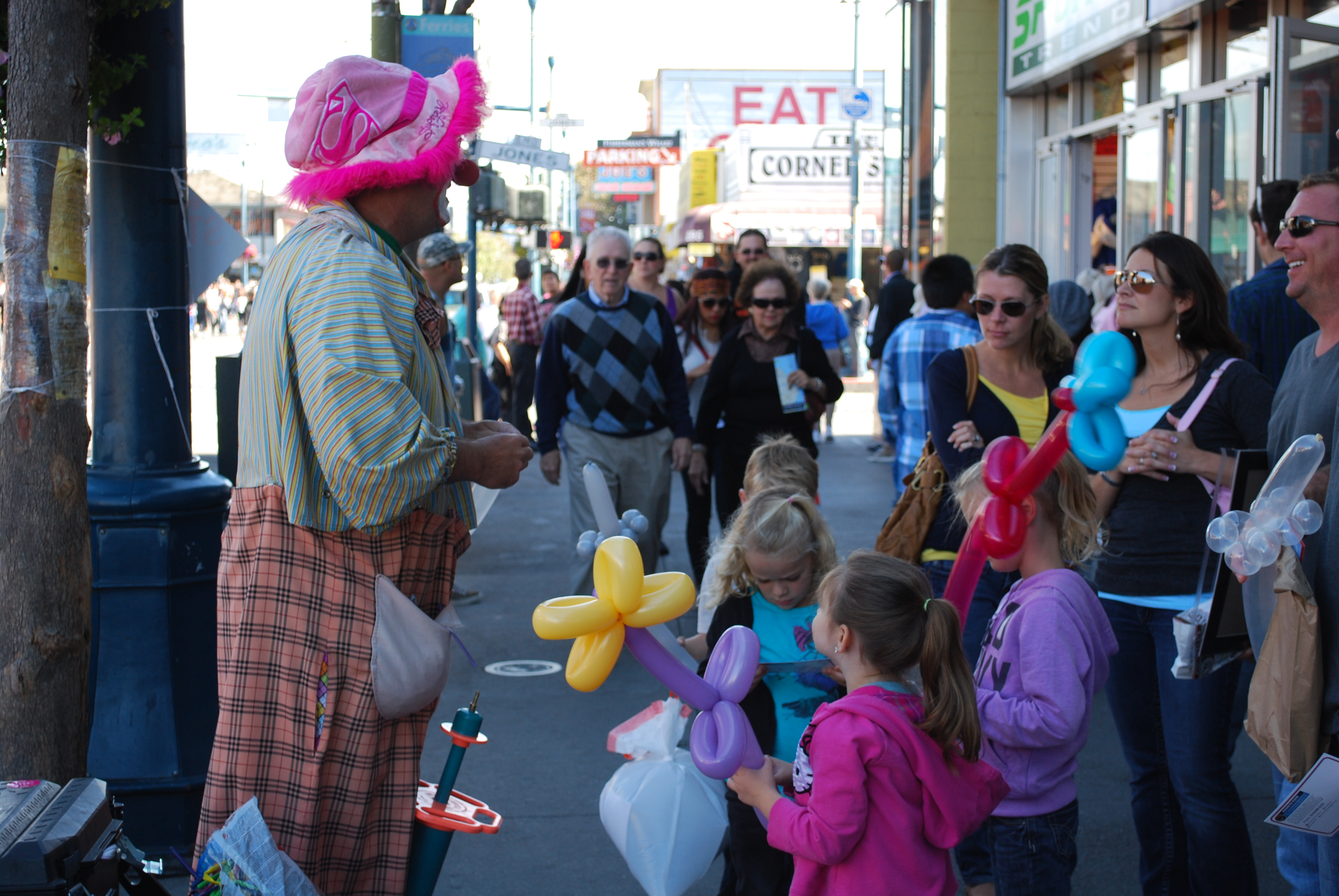 San Francisco, šašo baví deti