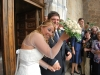 Šťastní mladomanželia pred katedrálou v Cefalù, Sicília