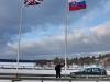Pózovanie s veľkou vlajkou